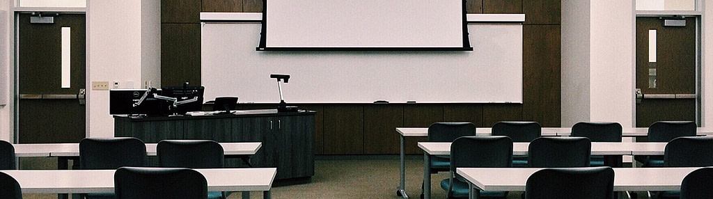 empty-chairs-in-classroom